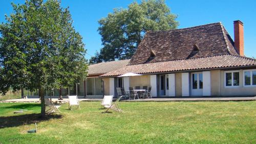 Ferienhaus Beaupouyet 100S : Guest accommodation near Saint-Martin-l'Astier