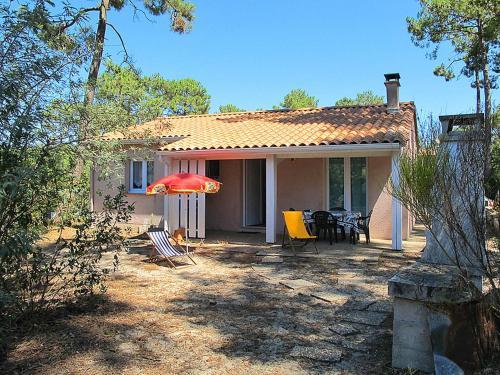 Ferienhaus Lacanau Haut-Carreyre 160S : Guest accommodation near Saumos