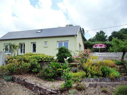 Ferienhaus Le Mesnil-Amand 400S : Guest accommodation near Cérences