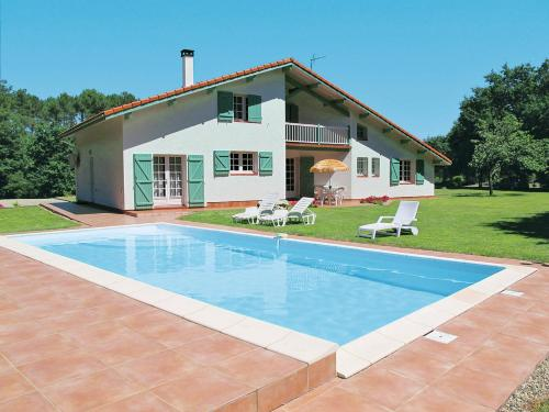 Ferienhaus mit Pool Magescq 100S : Guest accommodation near Magescq