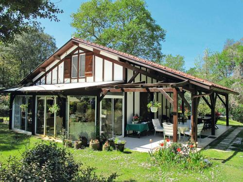 Ferienhaus mit Pool Carcans-Maubuisson 110S : Guest accommodation near Carcans