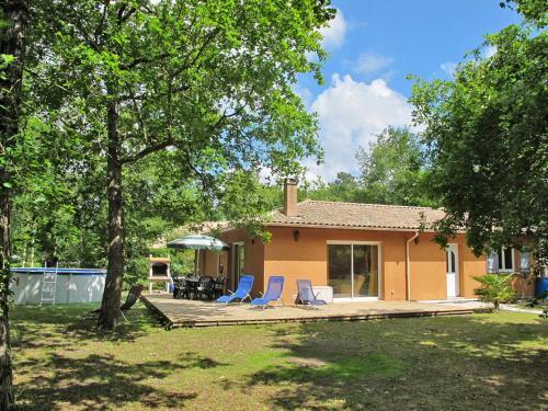 Ferienhaus mit Pool Naujac sur Mer 110S : Guest accommodation near Naujac-sur-Mer