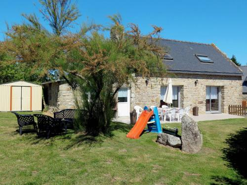 Ferienhaus Plouhinec 100S : Guest accommodation near Kervignac