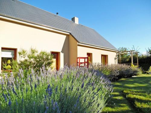 Hausteil Regneville-sur-Mer 401S : Guest accommodation near Saint-Denis-le-Vêtu