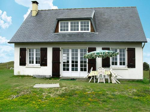 Ferienhaus St. Germain-sur-Ay 400S : Guest accommodation near Lessay