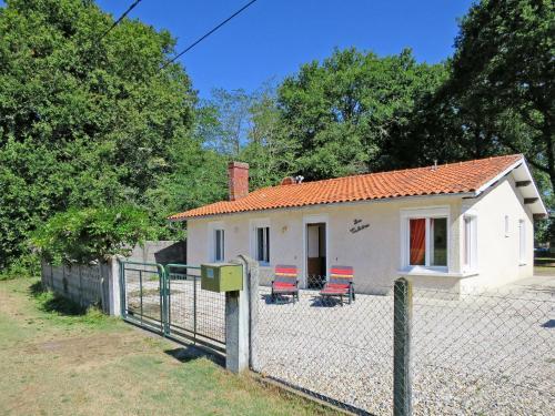 Ferienhaus Vensac 100S : Guest accommodation near Gaillan-en-Médoc