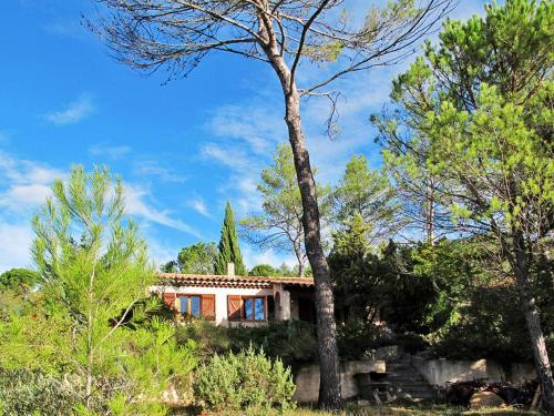 Les Beaux Quartiers 100S : Guest accommodation near Camps-la-Source