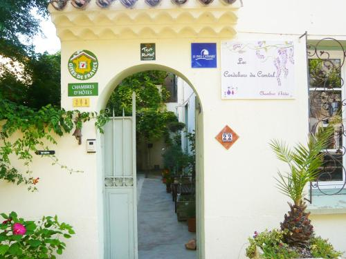 B&B Les Cordeliers du Comtal : Bed and Breakfast near Siran