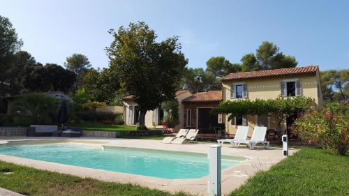 Maison Campagne Petite Mère : Guest accommodation near Simiane-Collongue