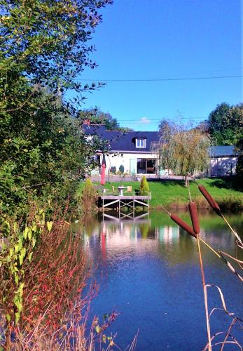 Le Domaine de Feeling : Bed and Breakfast near Renazé