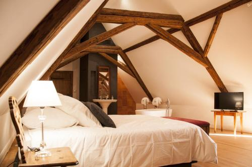Unter der Linde : Bed and Breakfast near Reutenbourg