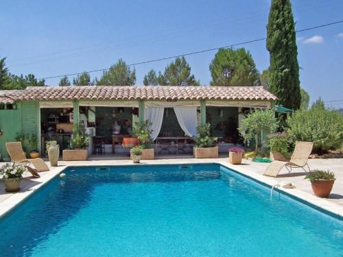 Villa Chemin Bellevue : Guest accommodation near Cotignac