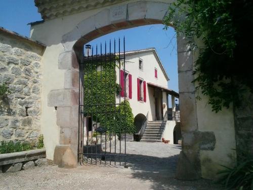 Chambre d'hôtes Le Pousta : Bed and Breakfast near Saint-Genest-de-Beauzon