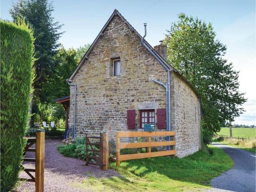 Two-Bedroom Holiday Home in Montaudin : Guest accommodation near Fleurigné