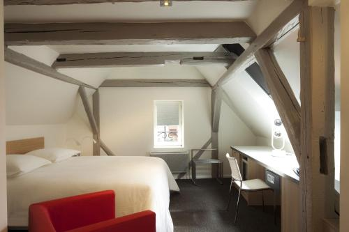 Hotel Le Pavillon 7 : Hotel near Uttenheim