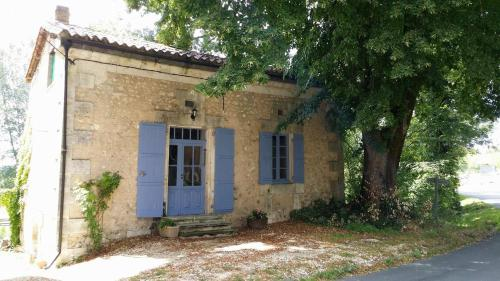 La Petite Maison : Guest accommodation near Vaux-Lavalette