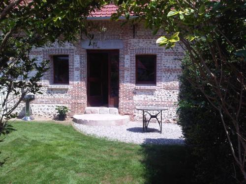 les gites d'Yeres : Guest accommodation near Bouttencourt