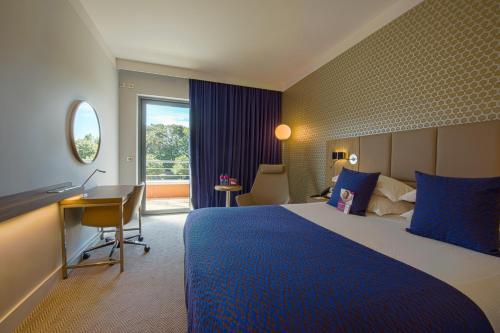Crowne Plaza Lyon – Cité Internationale : Hotel near Villeurbanne