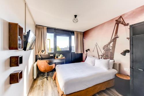 Brit Hotel Saint-Nazaire Centre : Hotel near Trignac