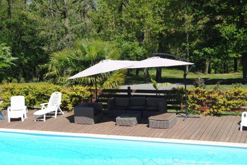 L occitane : Guest accommodation near Sainte-Livrade