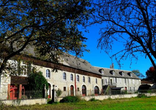 Domaine Lou Castet : Bed and Breakfast near Izaourt