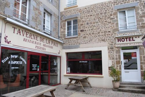 Taverne de la paix : Hotel near Saint-André-de-Messei