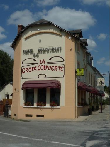 Hôtel-Restaurant La Croix Couverte : Hotel near Jublains