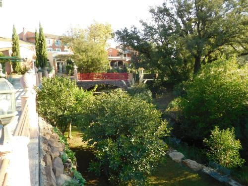Le Mas du Lingousto : Hotel near Pierrefeu-du-Var
