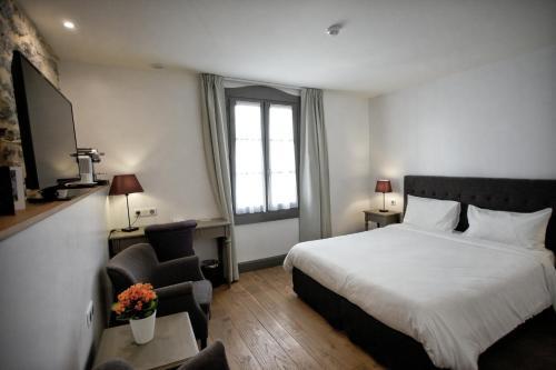 Hôtel Henri IV : Hotel near Fargues-sur-Ourbise