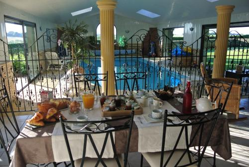 Les Bretesches : Bed and Breakfast near Cholet