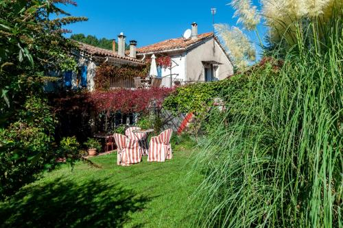 La Ribeyrette : Bed and Breakfast near Génolhac