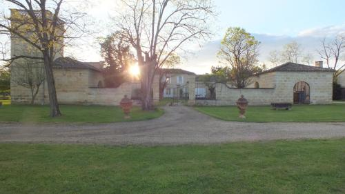 Au Domaine de Choisy : Guest accommodation near Guîtres