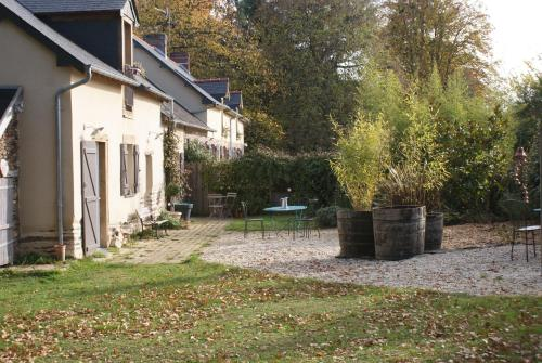 La Demeure de l'Isle : Bed and Breakfast near Brie