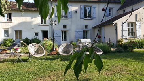 Les Jardins de la Tuilerie : Bed and Breakfast near Nesles-la-Montagne