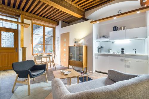 Like Home - Martinière : Apartment near Lyon 4e Arrondissement