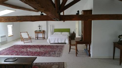 La Maison des Bordes : Guest accommodation near Montbrun-Bocage
