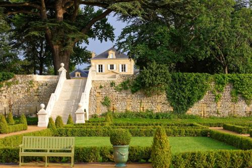 Château Renon : Bed and Breakfast near Saint-Genès-de-Lombaud