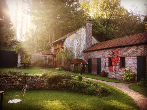 Evergreen : Bed and Breakfast near Bennecourt