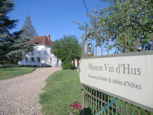 Maison Vin d'Hus : Bed and Breakfast near La Motte-Saint-Jean