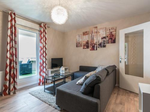 2 pièces rénové avec terrasse et parking : Apartment near Villeurbanne
