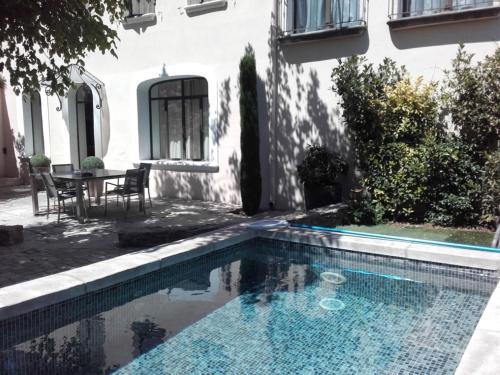 A l ancien Relais de Poste, Carpentras centre, Provence : Guest accommodation near Carpentras