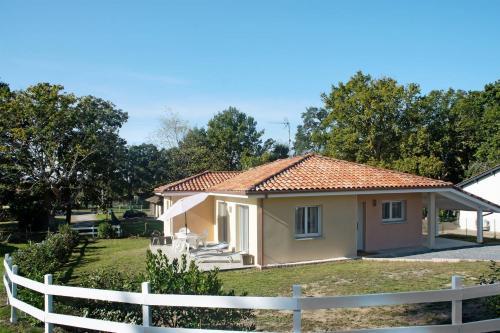 Ferienhaus Vielle Saint Girons 140S : Guest accommodation near Saint-Michel-Escalus