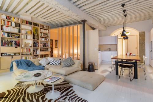 Like Home - Les Pentes : Apartment near Lyon 1er Arrondissement