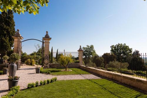 Château des Cinq Cantons : Guest accommodation near Sarrians