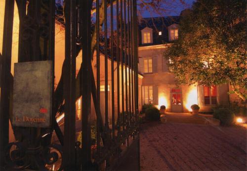 Le Doyenné - Chambres d'Hôtes : Bed and Breakfast near Le Mans