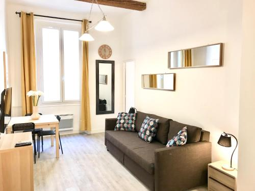 SUPER T4 CLIMATISE + EXTÉRIEUR CENTRE VILLE : Apartment near Marseille 3e Arrondissement