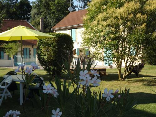Chambres d'hôtes Le Clos Poli : Bed and Breakfast near Bœurs-en-Othe
