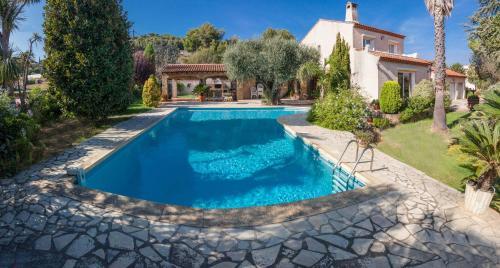 villa ollioules : Guest accommodation near Évenos