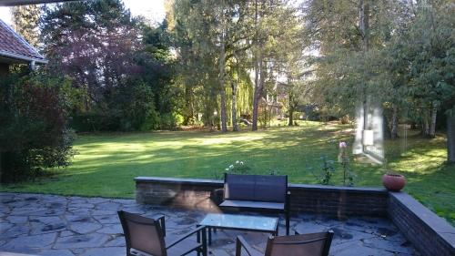 La belle Monsoise : Bed and Breakfast near Mons-en-Barœul