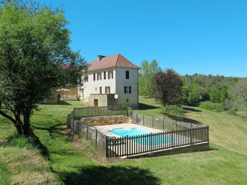 Ferienhaus mit Pool Proissans 200S : Guest accommodation near Marcillac-Saint-Quentin